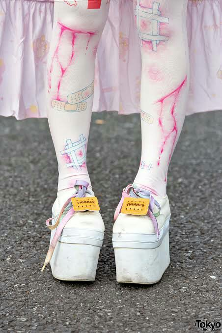 Yamikawaii illustrated stockings